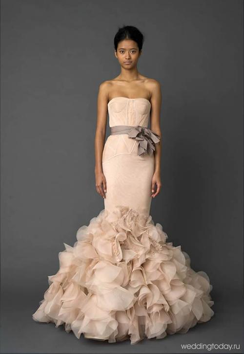 Короткое нежно розовое платье 53