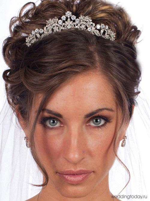 Фото свадебные прически с диадемами