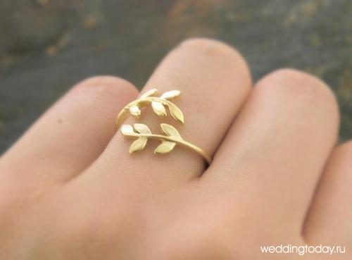 Так что, если вы предпочтёте эксклюзивные свадебные кольца простым классическим, заказать их будет проще простого. Современные обручальные кольца жениха и