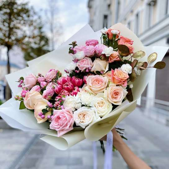 Букет цветов в Москве - Мегацвет24